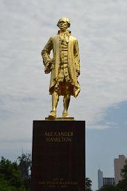 Chicago, Il August 24, 2019, Alexander Hamilton Gold Statue In Lincoln Park