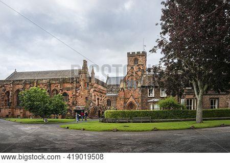 Carlisle, Cumbria, Uk, August 2020 - Carlisle Cathedral And Buildings In The City Of Carlisle, Cumbr