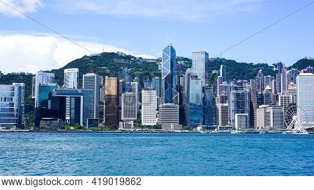 Hong Kong - June 25, 2016: Victoria Harbour Promenade, Sunny Clear Weather In Honk Kong, Modern Arch
