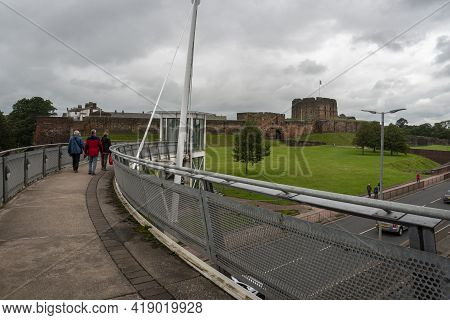 Carlisle, Cumbria, Uk, August 2020 - People Walking Over The Pedestrian Flyover Towards The Castle I