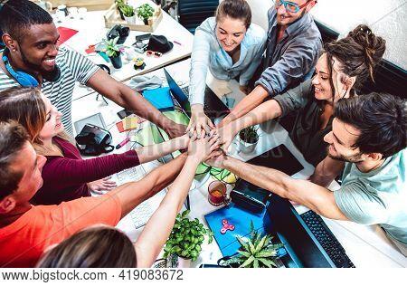 Alternative Employee Workers At Startup Studio On Entrepreneurship Brainstorming Moment - Human Reso