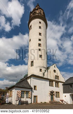 Frankfurt Am Main, Germany-may 02, 2021: Medieval Hoechster Castle In Frankfurt Hoechst, Germany