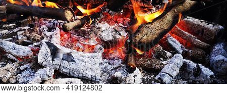 Wood Fire In The Garden - Fireplace - Camp Fire