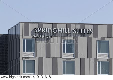 Westfield - Circa May 2021: Springhill Suites Hotel Property. Springhill Suites Hotels Is Part Of Th