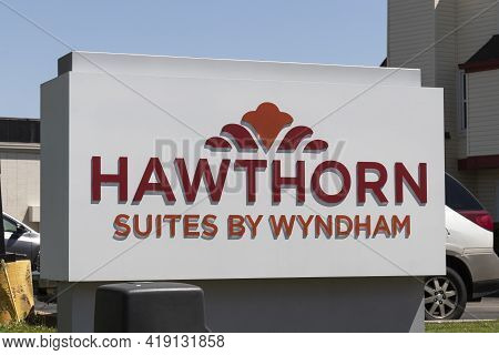 Indianapolis - Circa May 2021: Hawthorn Suites Hotel Property. Hawthorn Suites Is Part Of The Wyndha