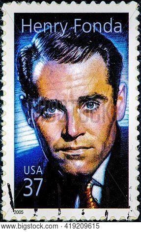 Nited States Of America - Circa 2005 : Stamp Printed In Usa Shows Henry Fonda American Actor Circa 2