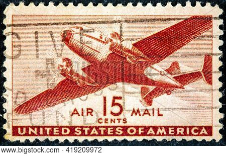 United States Of America - Circa 1943: A Used Us Air Mail Postage Stamp Depicting An Illustration Of