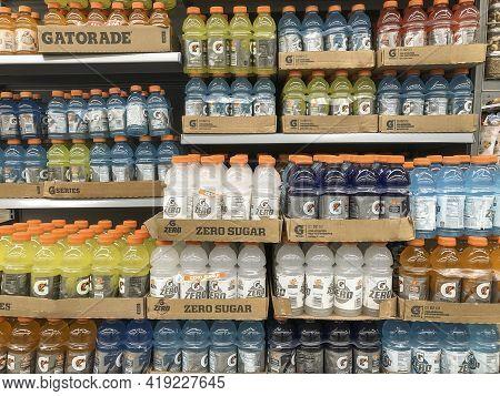 Indianapolis - Circa May 2021: Gatorade Drink Display. Gatorade Is A Sports Drink Under The Pepsico