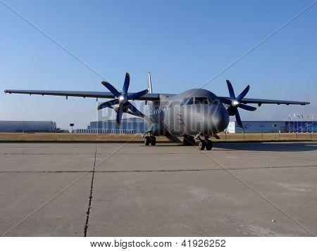 An-140