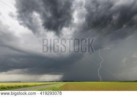 Storm Cell And Lightning In The Beauce Plain Near Dreux  Cellule Orageuse Et éclair En Plaine De Bea