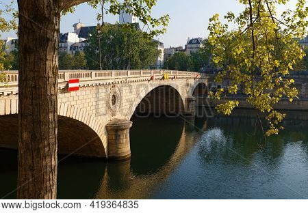 The Pont Louis Philippe Is A Bridge Across The River Seine. It Is Located In 4th Arrondissement, It