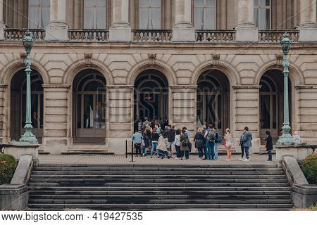 Brussels, Belgium - August 16, 2019: People Queue To Enter The Royal Palace Of Brussels, The Officia
