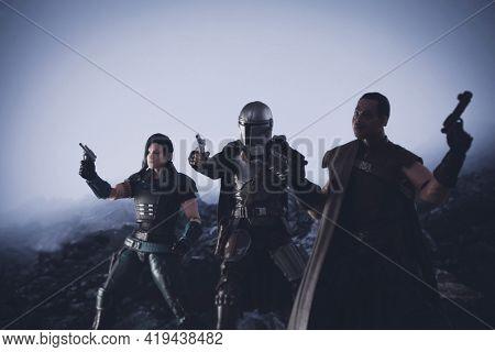 MAY 1 2021: Disney Plus The Mandalorian - bounty hunger Din Djarin, Cara Dune and Greef Karga - Hasbro action figures