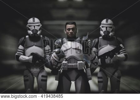 MAY 1 2021: Star Wars The Clone Wars Commander Wolffe with troopers - Hasbro action figures