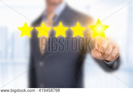 Five Star Concept. Cropped View Of Businessman In Formal Wear Touching 5 Star. Positive Feedback, Re