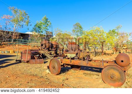 Tennant Creek, Australia - Aug 2019: Rusty Machines For Gold Digging Of Battery Hill Mining Center,