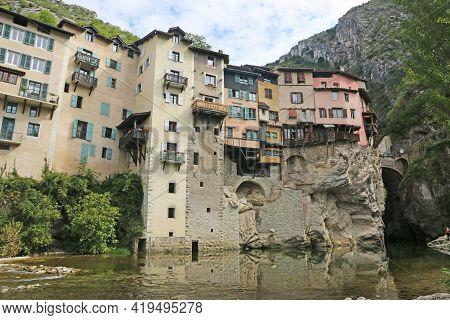 Pont-en-royons Village By The River Bourne In France