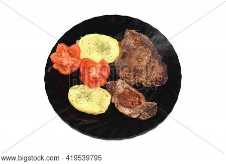 Combo Plate Of Beef Sirloin, Potatoes And Tomato
