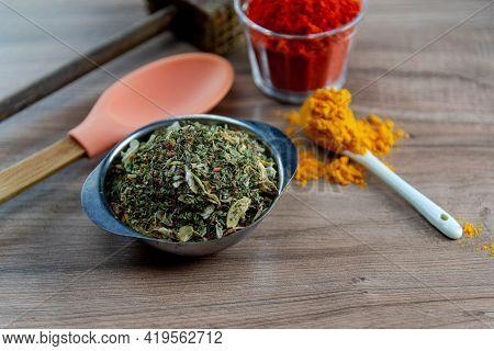 Culinary Condiment Based On Ground Oregano