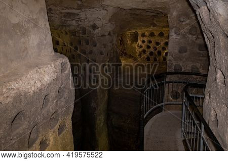 The Economic Cave - Columbarium - A Dovecote Near The Excavations Of The Ancient Maresha City In Bei