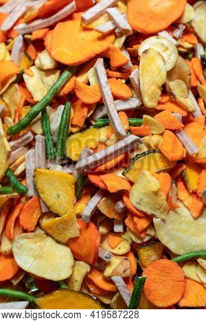 Mix Of Dried Vegetables Chips (potatoes, Carrots, Pumpkin, Green Peas) For A Quick Lunch