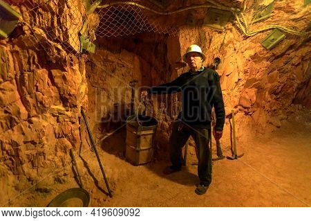 Tennant Creek, Australia - Aug 2019: Former Miner Giving Tour At Battery Hill Gold Mine Underground.