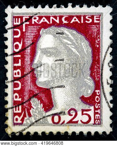 France - Circa 1960: Postage Stamp Issued In The France With The Image Of The Marianne Type Decaris,