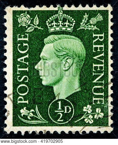United Kingdom - Circa 1951: Postage Stamp Printed In England Shows King Of The United Kingdom And T