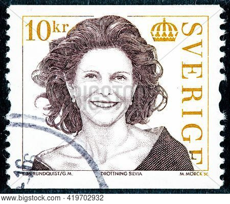Sweden - Circa 2009: Postage Stamp Printed In Sweden Shows The Portrait Of Queen Silvia Swedish, Bor