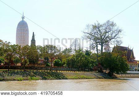 Stunning White Prang (pagoda) Of Wat Phutthaisawan Temple On Chao Phraya River Bank, Ayutthaya Histo