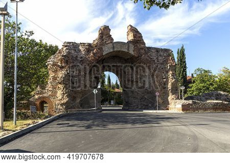 The South Gate Know As The Camels At Roman Fortifications In Ancient City Of Diocletianopolis, Town