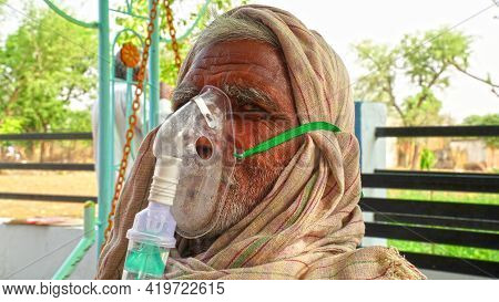30 April 2021, Jaipur, Rajasthan, India. Corona Pandemic And Adverse Effect In India. Old Aged Man S
