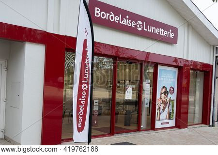 Bordeaux , Aquitaine France - 05 04 2021 : Bordelaise De Lunetterie Store Logo Brand And Text Shop S