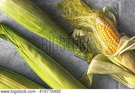Peeled corn on the cob