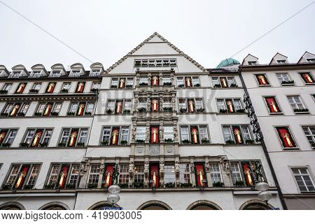 The Kaufinger Street Is One Of The Oldest Streets In Munich And Together With The Neuhauser Street O