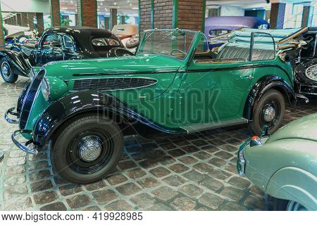 Moscow Region, Russia - August 26, 2020: Retro Car Bmw 329 In The Vadim Zadorozhny Museum Of Technol