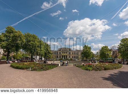 Frankfurt Am Main, Germany-may 03, 2021: Main Entrance Of The Zoo In Frankfurt With Society House
