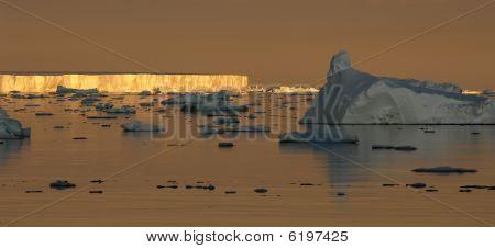 Antarctic Sunset Mood