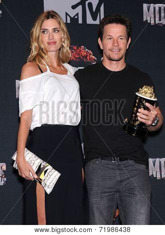 LOS ANGELES - APR 13:  Mark Wahlberg & Rhea Durham in the 2014 MTV Movie Awards - Press Room  on April 13, 2014 in Los Angeles, CA.