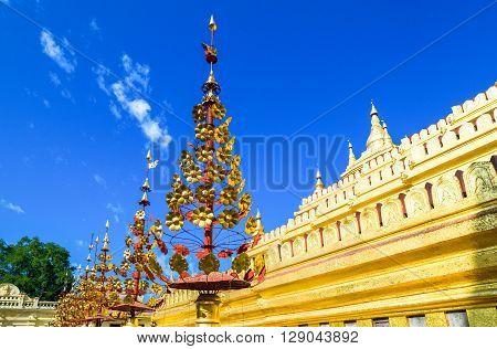 Myanmar, Bagan, side view of the Kuthodaw temple.