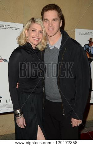 LOS ANGELES - MAR 22:  Stacey Toten, Luc Robitaille at the I Saw the Light LA Premiere at the Egyptian Theatre on March 22, 2016 in Los Angeles, CA