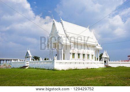 Wat Khao Laem Singh White Temple chanthaburi Thailand