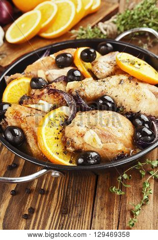 Chicken With Oranges And Olives