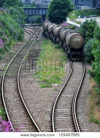 Train carriages for use in transporting Oil, Gas and other Liquids