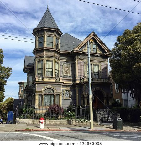 SAN FRANCISCO - FEBRUARY 26: A Victorian house on the corner of Haight and Baker Street on February 26, 2016 in the Haight-Ashbury neighbourhood of San Francisco, California, USA.