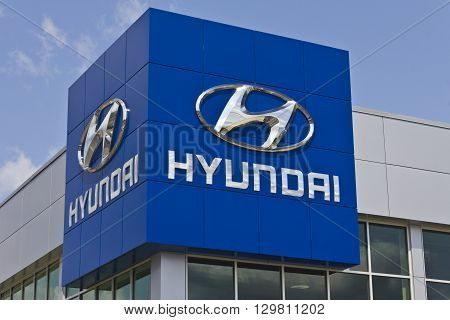 Indianapolis - Circa May 2016: Hyundai Motor Company Dealership. Hyundai is a South Korean Multinational Automotive Manufacturer II