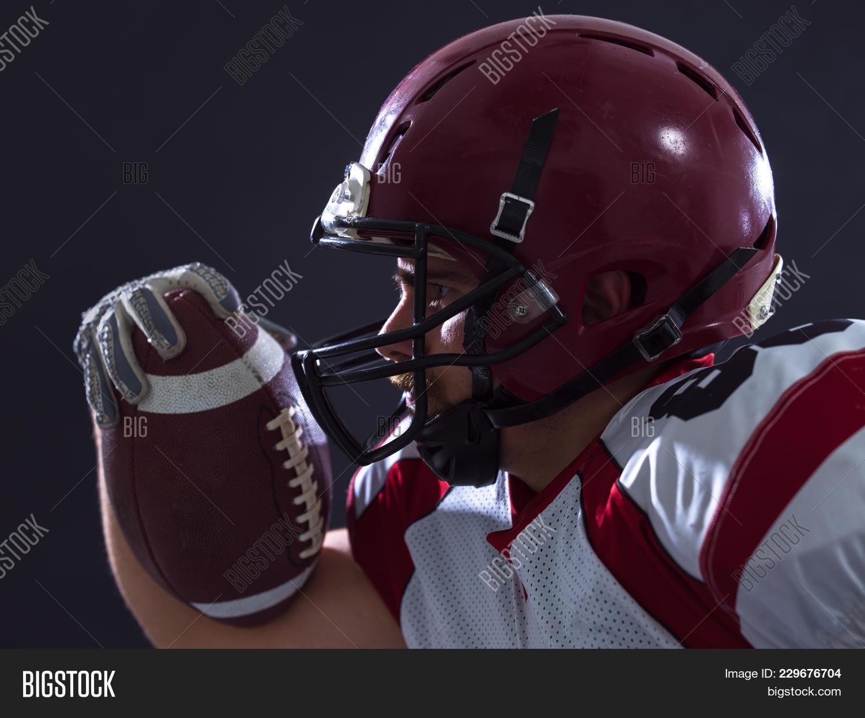 Studio shot player american football powerpoint template studio p toneelgroepblik Image collections