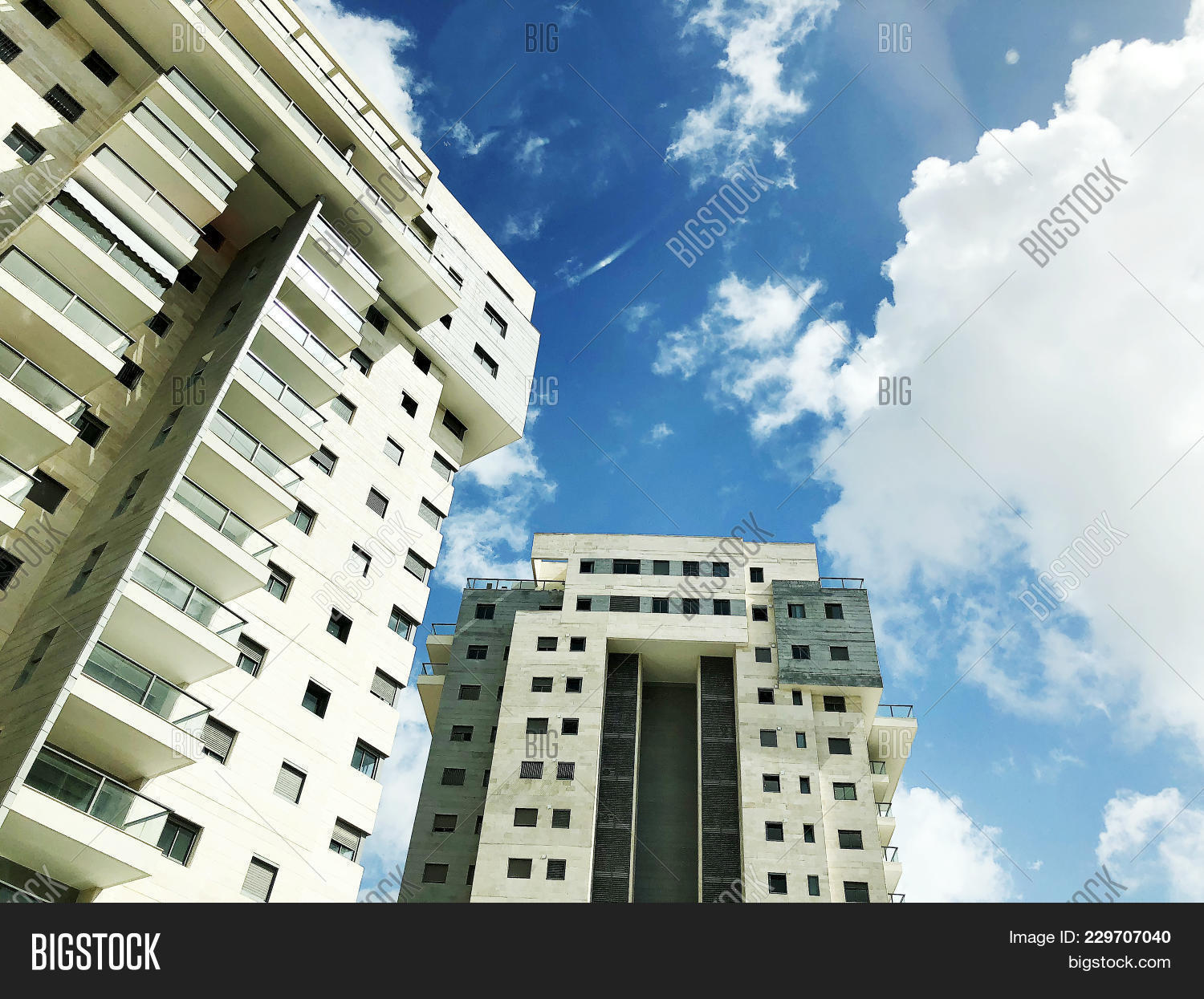 Building and sun powerpoint template building and sun powerpoint p toneelgroepblik Images