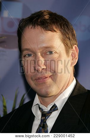 LOS ANGELES - JUL 13:  DB Sweeney at the ABC Summer Press Tour Party 2004  on July 13, 2004 in Century City, CA.