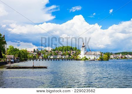 Gmunden City Lakeside And Traunsee Lake View, Austria. Gmunden Is A Town In Salzkammergut Region, Up